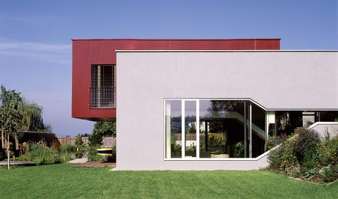 X-ARCHITEKTEN-Red-Box-House